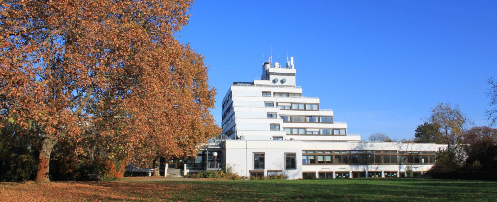 Heinrich Pesch Hotel
